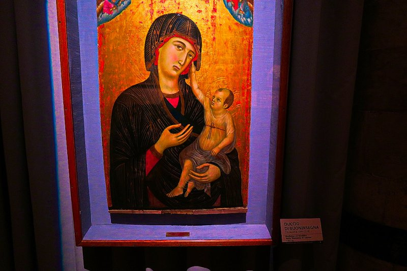 Madonna with Child, Duccio di Bouninsegna