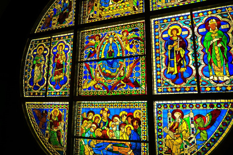 Duccio's Siena Duomo Rose, stained glass